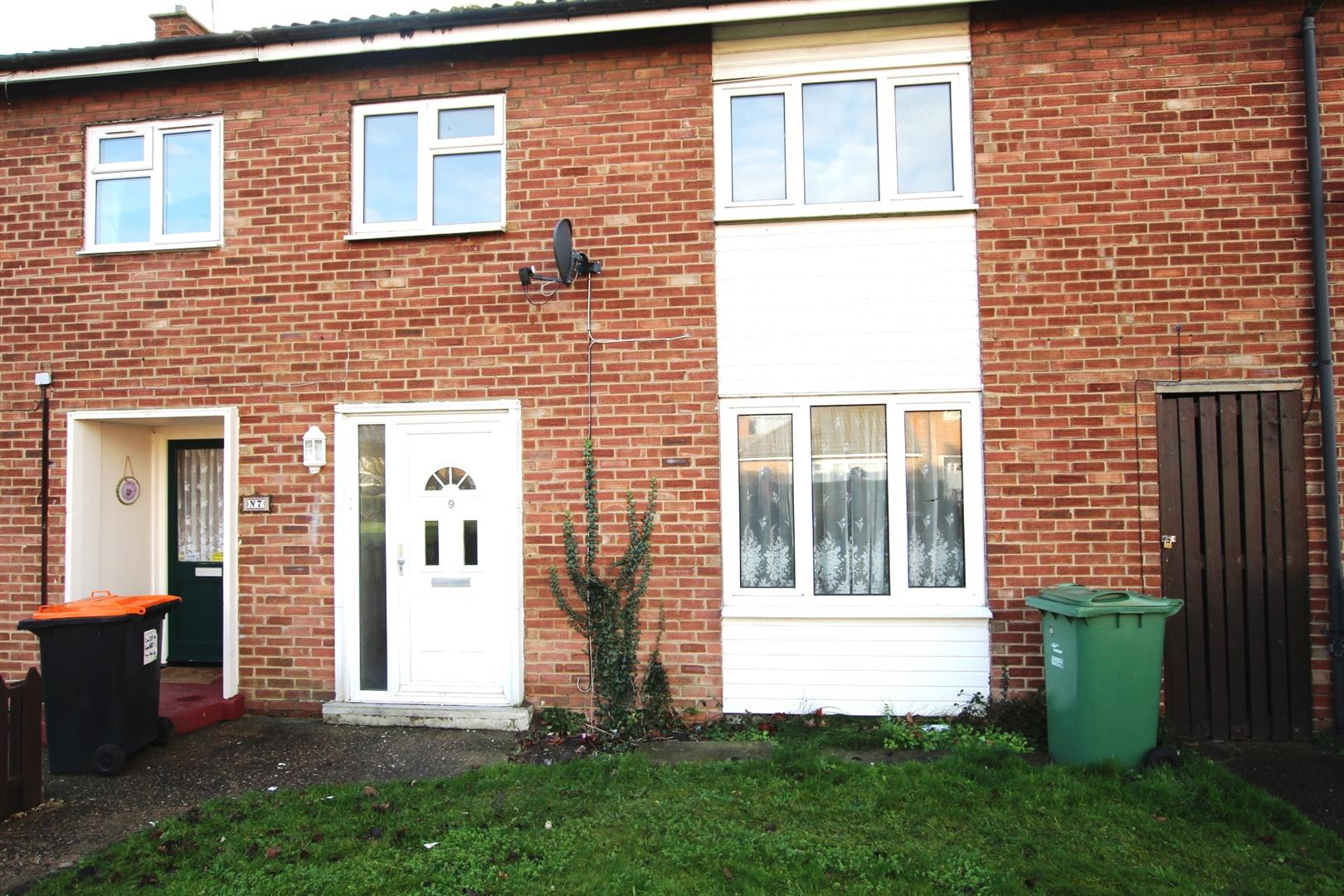 3 Bedrooms Terraced House for rent in Kent Road, Houghton Regis